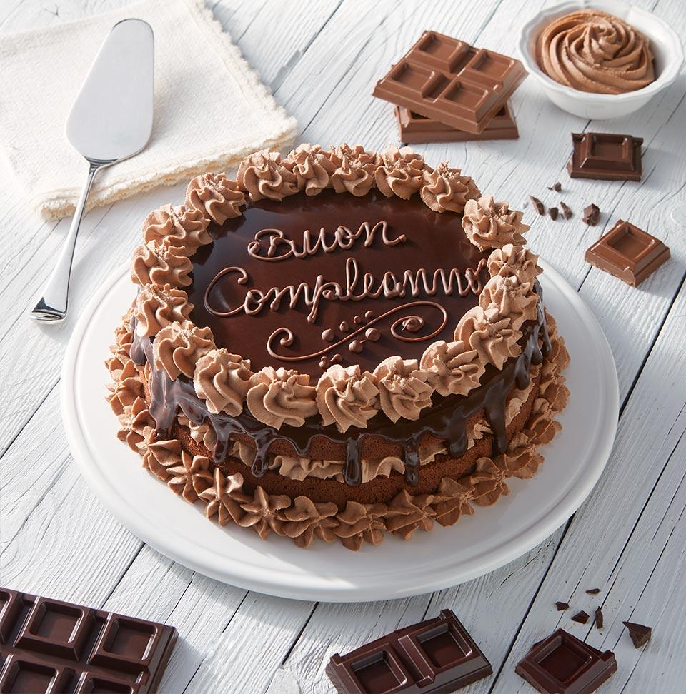 Torta di compleanno con pan di spagna e cioccolato Perugina®